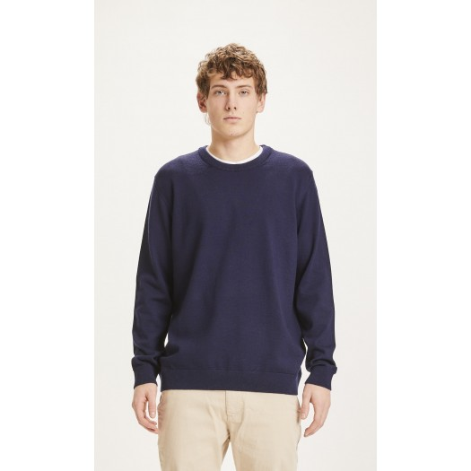 Forrest O-neck Merino Wool Total Eclipse face